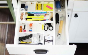 Mini-Organizing-Challenge-Junk-Drawer-2w